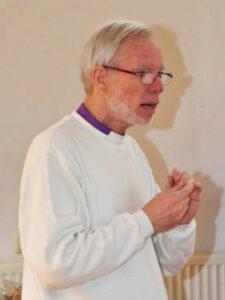 priester VVK Ronald Engelse